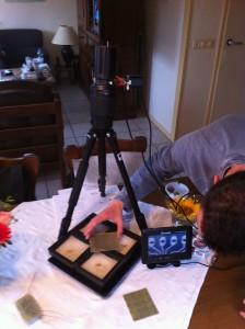 Lens om de print in detail te zien